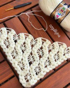 Crochet afghans 810085051703789506 - Chauffe épaule – Elylou crochette Source by hafidabouadla Filet Crochet, Crochet Shawl, Crochet Baby, Knit Crochet, Crochet Afghans, Crochet Stitches Patterns, Knitting Patterns, Crochet Videos, Crochet Scarves