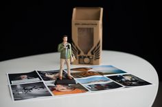 PHOTOGRAPHER WHO ORDERED 400 ACTION FIGURES OF HIMSELF