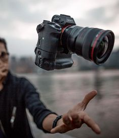 """2,883 Gostos, 14 Comentários - CAMERAS • LENSES • GEAR (@film.rev) no Instagram: """"Thanks @davidwallaceshoots for sharing this #INSANE shot of a Sony A7rII & Canon L combo!"""" Camera Tips, Camera Hacks, Camera Gear, Best Film Cameras, Pretty Cool, Photo Art, Lenses, Sony, Canon"""