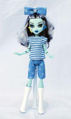 Wechselkleidung-passend-fuer-Monster-High-Outfit-handgenaeht