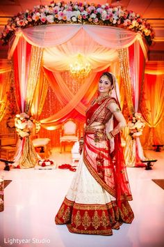 Portraits http://www.maharaniweddings.com/gallery/photo/39774 @ElegantAffairs1 || pinned by http://elephantess.blogspot.com