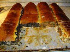 A nagymama BEJGLI je ugyszinten igy nézet ki Isteni íze volt 👨🍳 Hungarian Desserts, Hungarian Recipes, Cookie Desserts, Sweet Desserts, Czech Recipes, Ethnic Recipes, Eat Pray Love, Desert Recipes, Hot Dog Buns