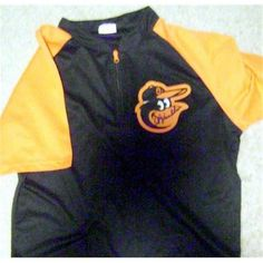 f9af03e7365 Autograph Warehouse 322993 8 x 10 in. Buck Showalter Signed Jacket  Baltimore Orioles Baseball Pre Game warm Up Light Material