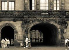 Passageway in Dresden Dresden, Germany, Louvre, Eccentric, Building, Travel, Beautiful, Viajes, Buildings