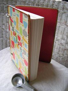 Wood cover recipe journal Cookbook Design, Cookbook Ideas, Cookbook Recipes, Recipe Journal, Food Journal, Journal Ideas, Making Recipe, Diy Recipe, Create A Cookbook