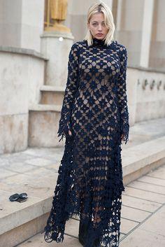 Street Style vestidos estampados primavera | Galería de fotos 3 de 36 | GLAMOUR