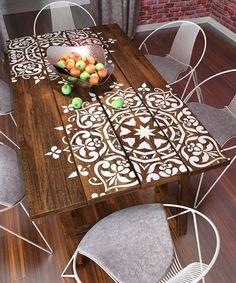 Mesa personalizada con mandalas. Vinilos de mandalas. Pegatinas con mandalas.