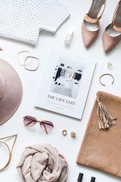 Flatlay Inspiration · via Custom Scene · feminine flatlay. Tumblr Fotos Instagram, Photo Pour Instagram, Flat Lay Photography Instagram, Flat Lay Inspiration, Do It Yourself Inspiration, Layout Inspiration, Flatlay Instagram, Flat Lay Photos, Photo Grid