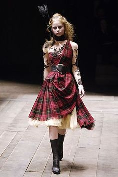 Alexander McQueen AW06 (my favourite collection ever)