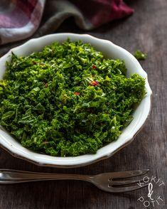 Marinoitu lehtikaalisalaatti - Kokit ja Potit Greens Recipe, Seaweed Salad, Healthy Recipes, Healthy Foods, Food And Drink, Vegetables, Eat, Ethnic Recipes, Food Heaven