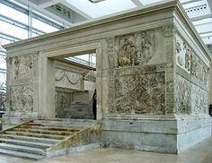 Ara Pacis (Autel de la Paix) - sur le champ de Mars à Rome - de 13 à 9 ans avant JC - ordonné par le Sénat romain