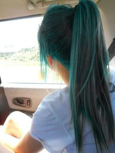 Green Hair Dye, Dye My Hair, Cool Hair Dyed, Curly Hair Dye, Teal Hair Dye, Dyed Hair Pastel, Hair Dye Colors, Cool Hair Color, Balayage Hair