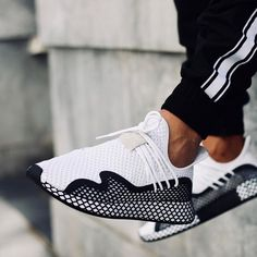 Avis] Adidas Deerupt Runner Grid blanche Triple White