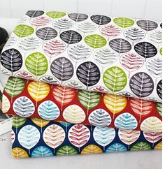 Vivid Leaves Pattern Cotton Oxford Fabric  AW76 by luckyshop0228