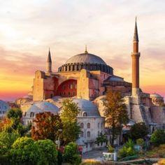 Hagia Sophia, a famous sight of Istanbul, sunset view , Byzantine Architecture, Mosque Architecture, Renaissance Architecture, Art Deco Buildings, Unique Buildings, Umayyad Mosque, Hagia Sophia Istanbul, City Icon, Beautiful Mosques