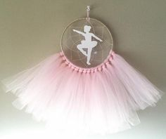 BALLERINA DREAMCATCHER Beautifully crafted one of a kind dreamcatchers! Perfect for: home decor, nurseries, childrens bedrooms, birthdays, parties, photo props, and much more! Handmade in NJ. Medium size Dream Catcher Made with 7 inch ring Completed with tulle, beads, wood ring, and wood figure. Dream Catcher Decor, Dream Catcher Nursery, Small Dream Catcher, Dream Catcher Boho, Ballerina Nursery, Ballerina Art, Diy Home Crafts, Handmade Crafts, Minnie Mouse Nursery