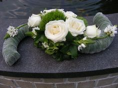 Unique Flower Arrangements, Unique Flowers, Diy Flowers, Church Flowers, Funeral Flowers, Grave Decorations, Flower Decorations, Flower Show, Flower Art