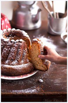 Mon (super bon…) Kouglof bio à l'épeautre et aux fruits séchés Yummy Veggie, Yummy Food, German Cake, French Patisserie, Bread Bun, Christmas Cooking, Yummy Treats, Baking Recipes, Cupcake Cakes