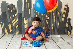 Superman cake smash photography by Mamique Photography.