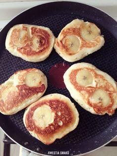 Banana and ricotta cheese pancakes Ricotta Pancakes, Cheese Pancakes, Nigella, Breakfast Time, Griddle Pan, Nom Nom, Recipies, Food And Drink, Banana