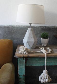 Lámpara base cemento