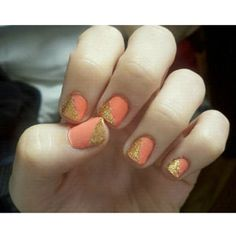 Colorblocking  Use scotch tape to get a straight line when doing colorblock nails,