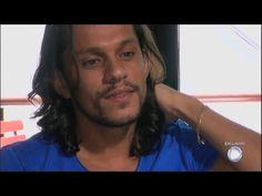 Dudu Oliveira chora ao relembrar dificuldades que enfrentou para realizar o sonho de ser ator