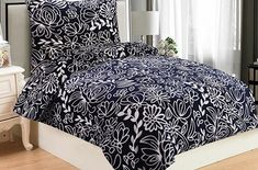 Heboučké mikroflanelové povlečení Hortenzie blue je ideální volbou pro zimní či chladné dny a pro zimomřivé jedince. Zaujme především milovníky modré barvy.  Gramáž: 230 g/m2.  Česká výroba. Comforters, Blues, Blanket, Furniture, Home Decor, Creature Comforts, Quilts, Decoration Home, Room Decor