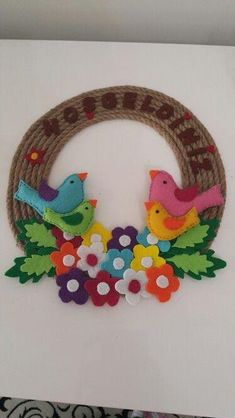 welcome door ornament Foam Crafts, Preschool Crafts, Easter Crafts, Christmas Crafts, Hobbies And Crafts, Diy And Crafts, Crafts For Kids, Arts And Crafts, School Board Decoration