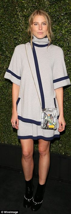 Love this chic Chanel look