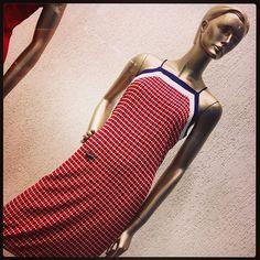 zpr Esse vestido da Enjoy, além de vestir perfeitamente bem, é a pedida certa pra quem quer apostar na estampa geométrica, a tendência do momento!!! 👗🔷♦️ ⠀ Enviamos para todo o Brasil! ✈️📦Parcelamos as suas compras em até 5 vezes sem juros no cartão de crédito! 💳 Vendas e informações por direct ou pelo WhatsApp: (11)99176-3494! ⠀ #vestido #estampageométrica #enjoy #lookdodia #fashion #tendência #instafashion #modafeminina #roupafeminina #modaonline #outfitoftheday #ootd #trend #moda…