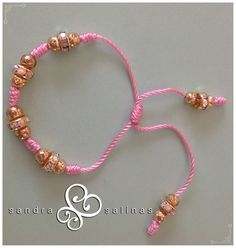 Pulsera rosa de nudos franciscanos para niña