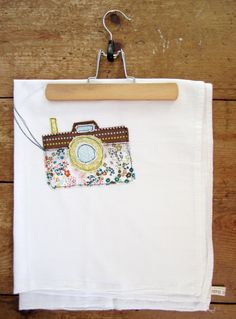 appliqued tea towel (i am in LOVE with this one!)