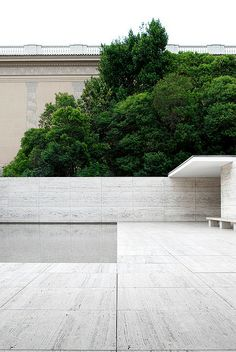 Barcelona Pavilion backwall  // Mies van der Rohe | Flickr: 010lab