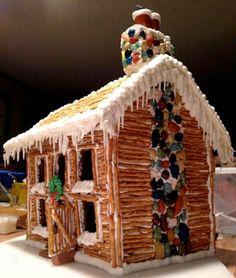 År efter år bygger och dekorerar vi det där pepparkakshuset. Och visst är det härligt! Men känner du att det går lite slentrian i pepparkakshus-idéerna så  här är tipsen för dig. 9 idéer på nya pepparkakshus.