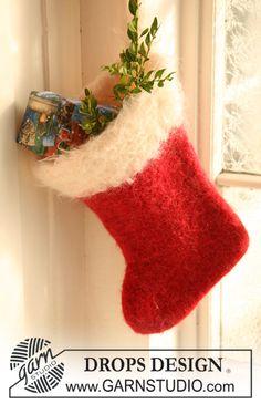 """Strikket og filtet DROPS julestrømpe i """"Eskimo"""" og """"Puddel"""". ~ DROPS Design"""