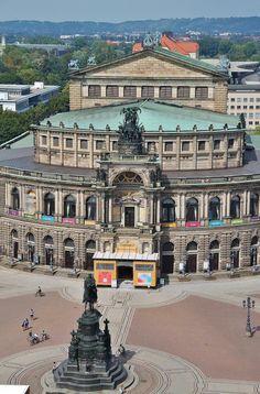 Teatro de la Opera desde la torre del Palacio Real de Dresde
