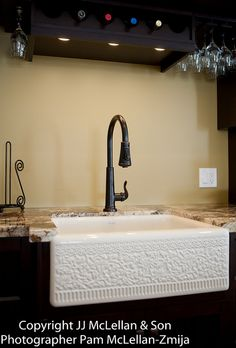 So beautiful! I definitely want a country kitchen sink!