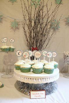 Cupcakes at a Snowflake Party #snowflake #partycupcakes