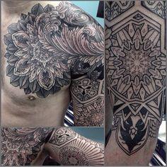 "@dotsandpatterns's photo: ""Overwhelming loveliness by @thomas_hooper_tattooing #dotwork #mandala #mandalatattoo #dotworktattoo #dotsandpatterns"""