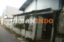 DIjual Pabrik dan Tanah Di Jl. Lapangan Bola, Kesambi Dalam - Cirebon  More information : Farhan Alhamdi Mobile : 08212 0688 154 Email : alhamdifarhan@hotmail.com  Yasin Tofani Mobile : 0852  9318 0448 Email : yasin.raywhite@gmail.com