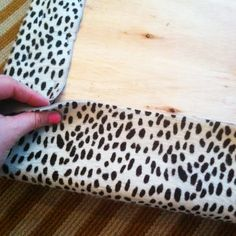 How to upholster a corner - this shows how to eliminate the excess fabric.