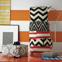 how to make a floor pouf! fun and easy craft, all you need: fabric, sewing machine, stuffing.