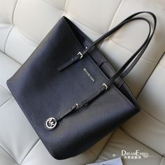 Michael Kors women business style handbags,blue ,cool style,67$! What to say... Breathless... I want one!