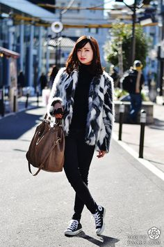 tokyo street style   ... in Faux Fur   Japanese fashion and Tokyo street style - Tokyofaces.com