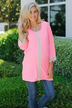 Pink Crochet Accent Maternity Tunic from PinkBlush Maternity www.pinkblushmaternity.com #maternity #fashion