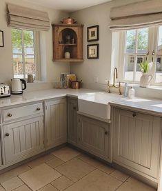 31 Most Popular Kitchen Color Schemes ~ Gorgeous House Home Decor Kitchen, Country Kitchen, Kitchen Interior, New Kitchen, Home Kitchens, Kitchen Design, Kitchen Ideas, Cozy Kitchen, Popular Kitchen Colors