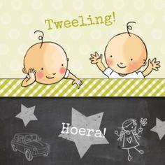 Stoer geboortekaartje voor een meisje en een jongen, met krijtbord, groen geruite strook en de tweeling die met hun speelgoed speelt.