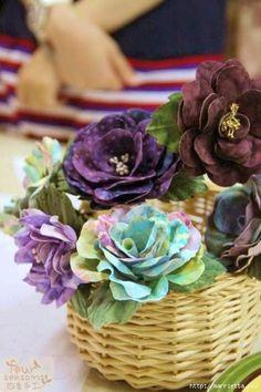 Technology of fabric colors. For beginners Fabric Roses, Fabric Ribbon, Handmade Flowers, Diy Flowers, Flower Crafts, Flower Art, Material Flowers, Fabric Flower Tutorial, Shibori