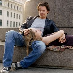 "Ethan Hawke y Julie Delpy en ""Antes de Amanecer"" (Before Sunrise), 1995 Julie Delpy, Before Sunrise Movie, Before Sunset, Before Midnight, Movies And Series, Movies And Tv Shows, Before Trilogy, Viejo Hollywood, Celine"